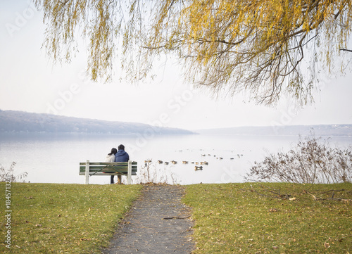 Foto Murales Pareja y relax en el parque