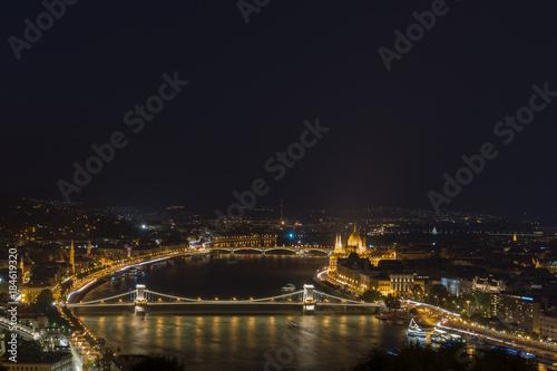 Fotobehang Boedapest Budapest bei Nacht