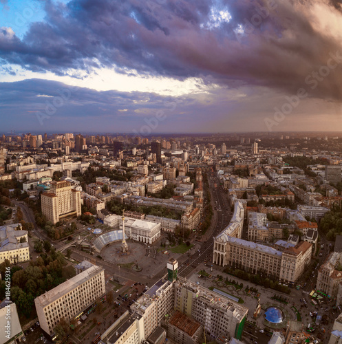 Foto op Plexiglas Kiev Aerial view of the central street of Kiev - Khreshchatyk, the European Square, Independence Square, Stalin and modern architecture. Ukraine
