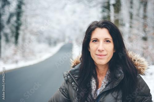 Foto Murales Frau im Winter