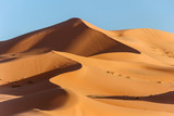 golden sand dune in sahara desert - 184631967