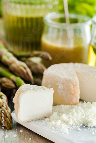 France food with cheese - 184656554