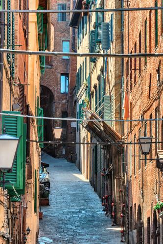 Keuken foto achterwand Smal steegje Gasse in Siena