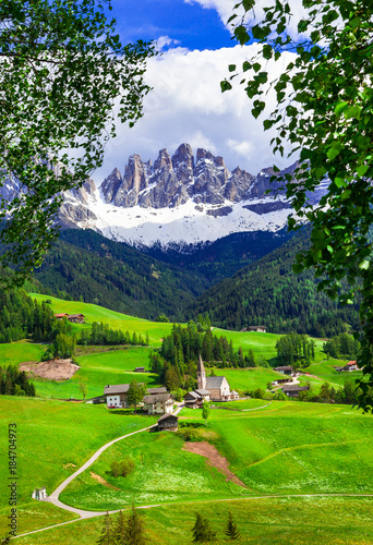 Fotobehang Freesurf Alpine scenery - Dolomites mountains and traditional villages. Val di Funes, Italy
