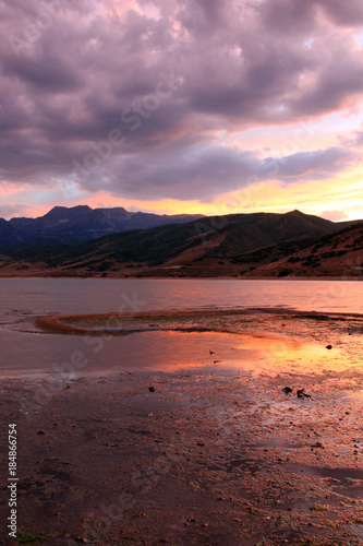 Foto op Canvas Lavendel Wasatch Mountains sunset reflection, Utah, USA.
