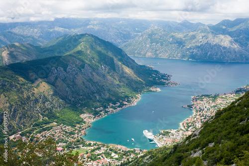 In de dag Blauwe jeans Montenegro, Kotor