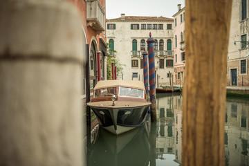 Motorboot in Venedig