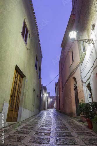 Aluminium Smalle straatjes ERICE - SICILIA