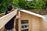 construction chalet de jardin - 185146165