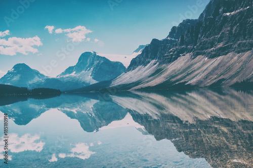 In de dag Blauwe jeans Bow Lake
