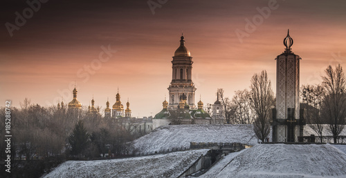 Foto op Plexiglas Kiev Kiev-Pechersk Lavra in winter, evening view, Kyiv, Ukraine
