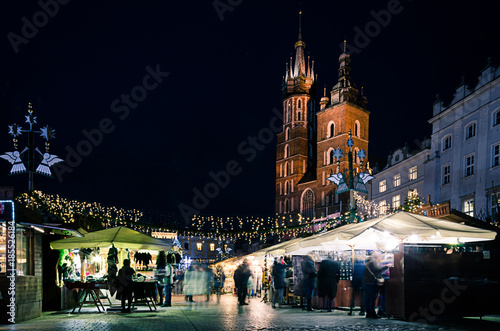 Fotobehang Krakau Krakow Christmas Markets in front of St Mary's Church