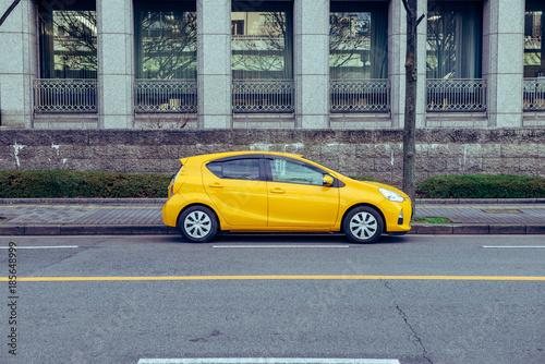 黄色の車 - 185648999