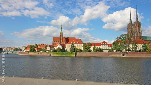 Katedra i rzeka we Wrocławiu, Polska