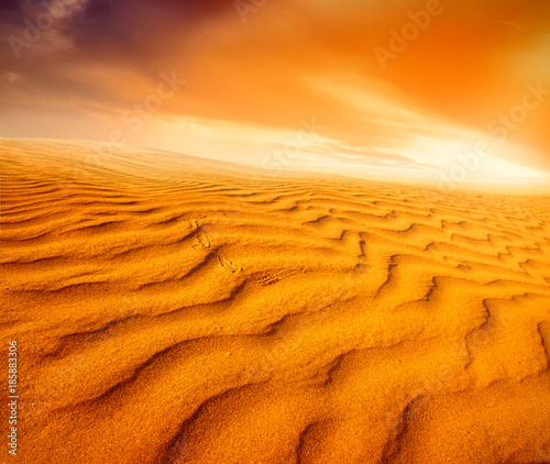 Fotobehang Oranje eclat Sunset over the Sahara Desert