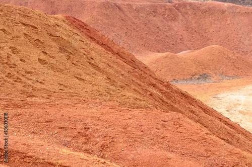 Poster Oranje eclat Bauxite mine raw bauxite on surface