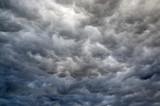 Ciemne chmury.