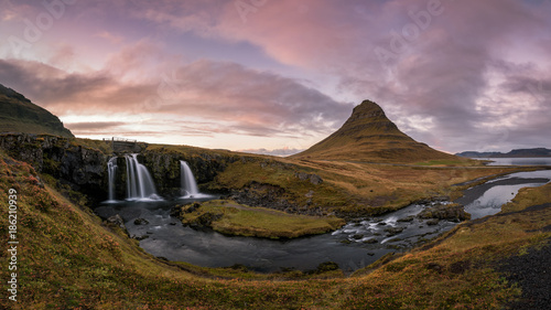 Foto op Canvas Lavendel Kirkjufellsfoss Panorama Sunset in Iceland