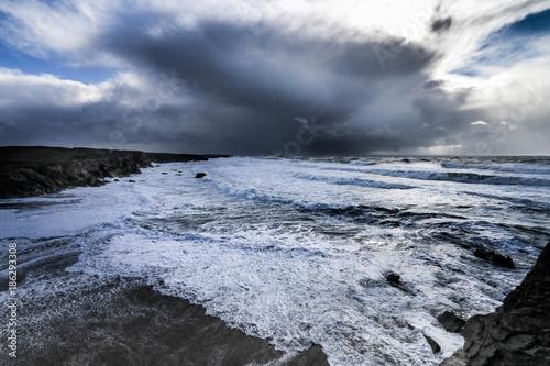 photo de la cote sauvage de quiberon en pleine tempete - 186293308
