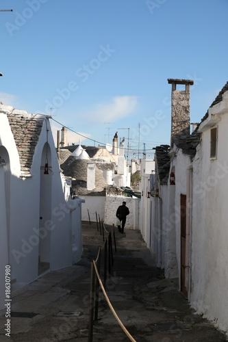 Poster Smal steegje Trulli di Alberobello