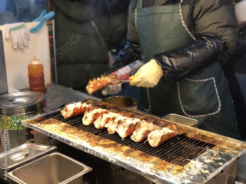 Korean food stall Photo by bennnn