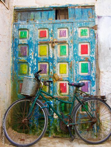 fototapeta na ścianę street life Morocco handicraft old doors