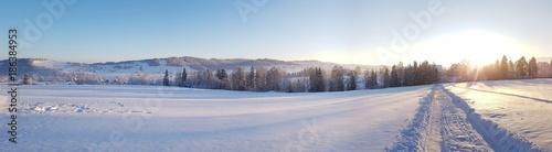 Fotobehang Panoramafoto s Poranek w zimie. Panorama