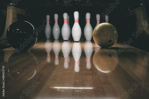 bowling alley. rivalry. - 186425743