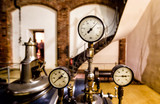 Manometers and valves on the steam engine - 186434543