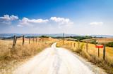 Strada in collina in Toscana