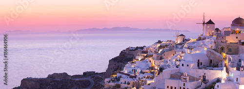 Foto op Canvas Natuur The famous sunset at Santorini in Oia village