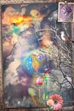 Vecchia cartolina vintage con paesaggio incantato,fiorito  e surreale