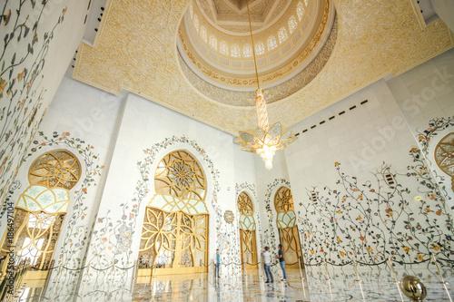 Foto op Canvas Abu Dhabi Sheikh Zayed Mosque Interior 3