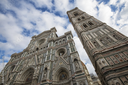 In de dag Florence Florence Cathedral photographed from below on a sunny day