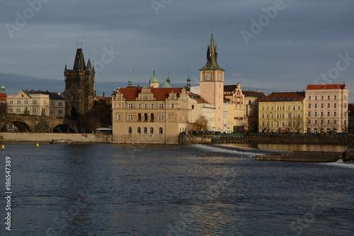 Blick über die Moldau zur Altstadt in Prag Poster