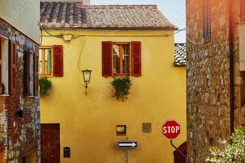 Foto op Aluminium Honing Typical Italian village in Tuscany