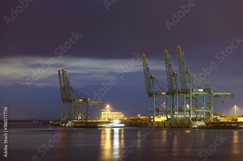Keuken foto achterwand Antwerpen Container Harbor At Night