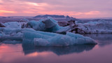 Glacier lagoon in Icenland at dusk - 186577988