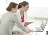 women Bank employees in the office - 186643903
