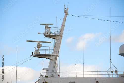 Fototapeta Ships antenna and navigation system in a sky