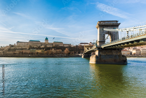 Foto op Plexiglas Boedapest The Szechenyi Chain Bridge in Budapest, Hungary.