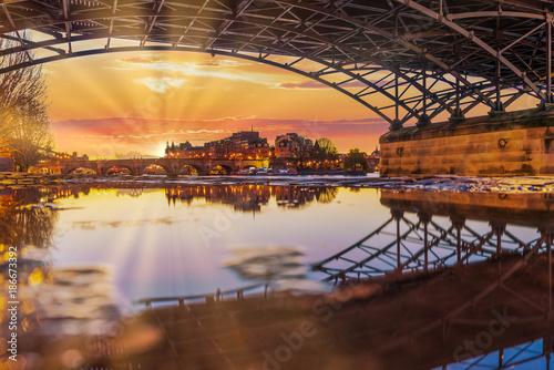 Papiers peints Ponts River Seine with Pont des Arts and Institut de France at sunrise in Paris