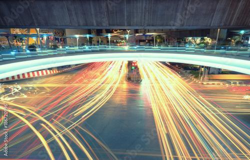 Foto Murales long exposure traffic light in the night  Bangkok,Thailand.