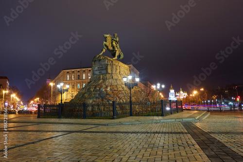 Fotobehang Kiev Evening summer scenery of Sofia Square with Bohdan Khmelnytsky statue monument