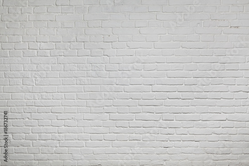 Old white brick wall background texture - 186732741