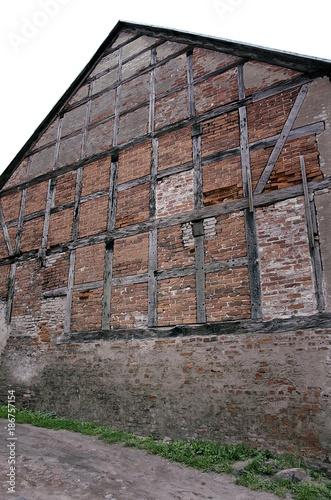 In de dag Baksteen muur ściana z muru pruskiego