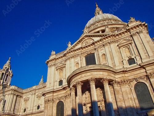 In de dag Londen St Pauls Cathedral