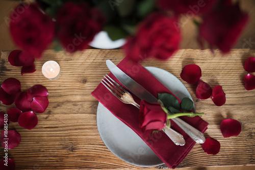 Foto Murales Romantic table setting in red
