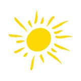 Odręcznie narysowane słońce na białym tle - 186857746
