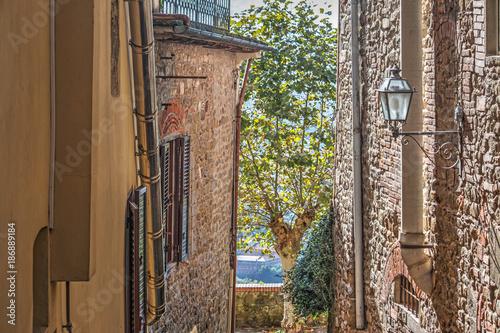 Poster Smal steegje narrow alley in Montecatini